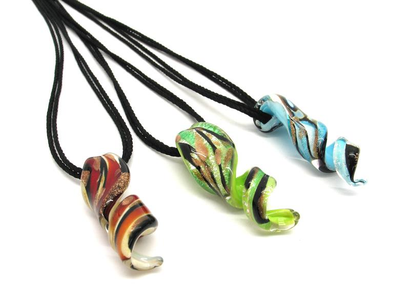 Spiral Murano Glass Necklaces, in spiral shape, 40x15 mm i ( COLV0318 ) available in 5 colour, made entirely handmade by Murano master glass-makers with the lampwork technique, from Murano Venice - Italy, with silver 925 and gold 24kt foil insertions and Avventurina Glass, and cotton cord double wire in black color (50 cm)