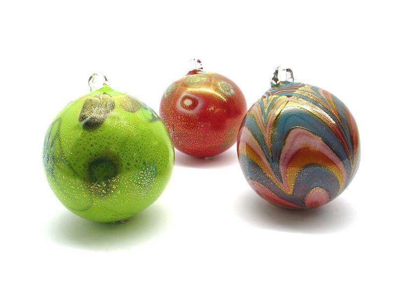 "Murano Glass Christmas balls : 28 mm in diameter, available in 10  assorted colours, made entirely handmade by Murano master glassmakers with the "" Blowing technique "" in our factory in Murano Venice - Italy"