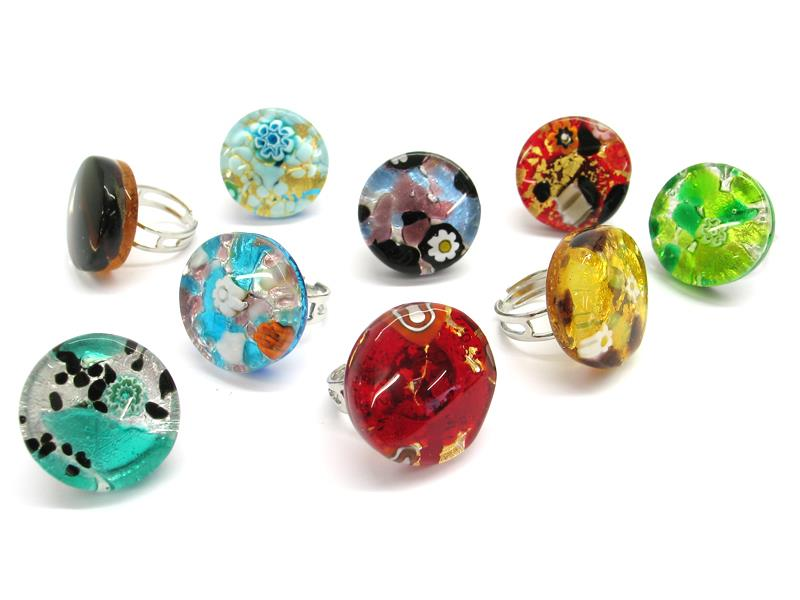 Murano Glass round Rings, 25 mm in diameter ( AV0202 ) available in 11 different colours, made entirely handmade by Murano master glass-makers with the glass sheet technique, and silver 925 and gold 24 kt insertions, adjustable band in allergy-free metal.
